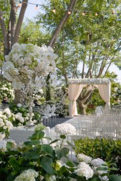 Love garden rooms.... Having one of the garden rooms a white garden room,,, just dreamy....Beautiful!!! #aromabotanical
