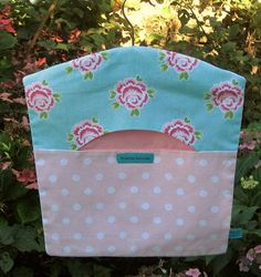 Roses & Spots Peg Bag Clothes Peg Bag Shabby by FromeRiverStudios Sewing Projects For Kids, Sewing For Kids, Projects To Try, Sewing Hacks, Sewing Crafts, Diy Crafts, Clothespin Bag, Towel Dress, Peg Bag