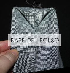 Coser un bolso / Tipos de bases | Cosiendo y aprendiendo | Bloglovin' Sewing Lessons, Sewing Hacks, Sewing Projects, Diy Clutch, Diy Tote Bag, Japanese Sewing Patterns, Bag Patterns To Sew, Apron Patterns, Dress Patterns