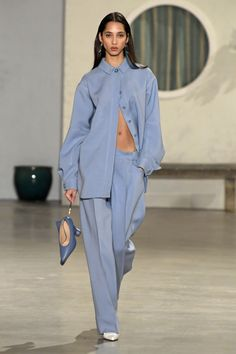 See all the looks from the show Fashion Week, Fashion 2020, Runway Fashion, High Fashion, Fashion Show, Fashion Looks, Fashion Outfits, Fashion Tips, Fashion Design