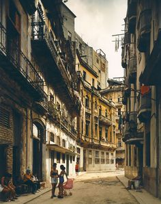 I have no intention of ever visiting Cuba, but still, can't deny it's tragic beauty