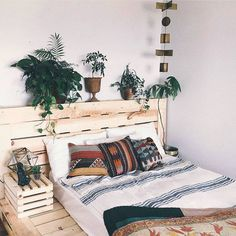 Dreaming of having a @palletbedz like @zoelaz they're so functional!