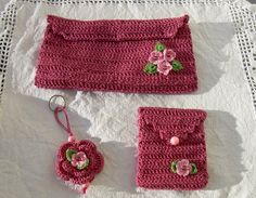 Coisas & Coisinhas da Sónia: Kit de bolsas e porta-chaves em crochet - Indisponível