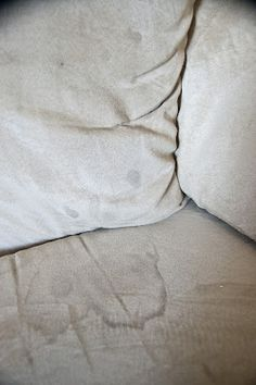 GREAT recipe for cleaning couches!!