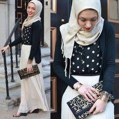 pleated maxi skirt hijab, Stylish hijab looks by Hani Hulu http://www.justtrendygirls.com/stylish-hijab-looks-by-hani-hulu/