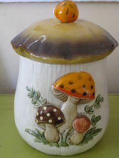 Large Mushroom Vintage Cookie Jar by Laineybean on Etsy, $25.00