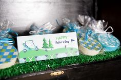 Father's day Gold themed party - Im' loving all these fab DIy decorations using simple printables! Lots of food and party ideas in this blog - BirdsParty.com