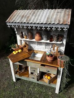 Shabby chic romantic vintage diy potting bench – garden shed ideas diy Potting Bench With Sink, Outdoor Potting Bench, Potting Bench Plans, Potting Tables, Potting Sheds, Rustic Potting Benches, Garden Yard Ideas, Garden Table, Garden Sheds