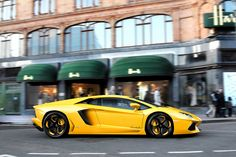 Yellow Aventador, not sure about the wheels, each to their own I suppose!