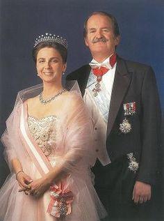 Portugal's Duke of Braganza Duarte Pio and Isabel de Heredia . Não nos pudemos esquecer, que já tivemos REIS em Portugal.