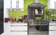 This IKEA Share Space fan had a small kitchen and remodeled to a new IKEA kitchen to get more storage and organization!