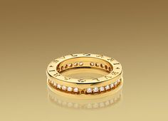 Bulgari B.ZERO1 ring in 18kt yellow gold with pavé diamonds. AN850561