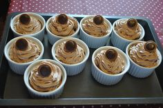 Cupcakes with chocolate frosting and toffee