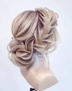 One or more people up styles, prom hair, hair band, bridal hair, hair cli. Prom Hair Medium, Medium Hair Styles, Curly Hair Styles, Braided Prom Hair, Prom Hair Updo, Box Braids Hairstyles, Wedding Hairstyles, Pretty Hairstyles, Bobs Blondes