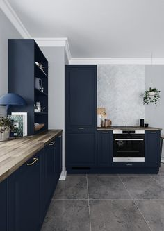 Bring the pleasant country atmosphere inside with a classic country-style kitchen. Choose a classic country kitchen from HTH. Kitchen In, Kitchen Handles, Country Kitchen, Interior Design Layout, Interior Design Kitchen, Black Kitchens, Home Kitchens, Kitchen Gallery, Contemporary Kitchen Design