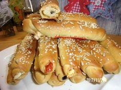 ΠΛΑΘΩ  ΖΥΜΑΡΑΚΙΑ  ΜΕ ΤΑ ΔΥΟ ΧΕΡΑΚΙΑ ..: ΕΛΙΟΚΡΙΤΣΙΝΙΑ  ΝΗΣΤΙΣΙΜΑ Hot Dog Buns, Hot Dogs, Hamburger, Food And Drink, Pie, Bread, Cooking, Ethnic Recipes, Torte