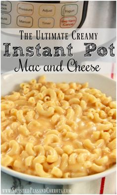 Instant Pot Recipes 92259 This Ultimate Instant Pot Creamy Mac and Cheese is the perfect comfort food and you will not believe how simple it is to make! This dish cooks up in a matter of minutes which makes it an easy meal any night of the week! Instant Pot Pasta Recipe, Instant Pot Dinner Recipes, Recipes Dinner, Lunch Recipes, Creamy Mac And Cheese, Macaroni And Cheese, Creamiest Mac And Cheese, Crockpot Recipes, Cooking Recipes