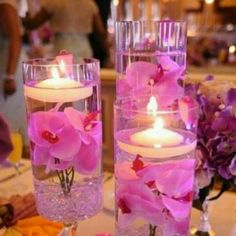 Great center pieces for a wedding! Love the pink!