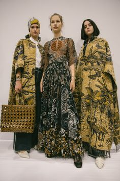 Christian Dior Cruise 2020 – Fashion Trends To Try In 2019 Fashion Week, Fashion 2020, Runway Fashion, Boho Fashion, High Fashion, Fashion Outfits, Womens Fashion, Fashion Design, 1950s Fashion