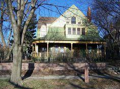 1893 Shingle - Sioux Falls, SD - $379,000 ~ beautiful interior woodwork