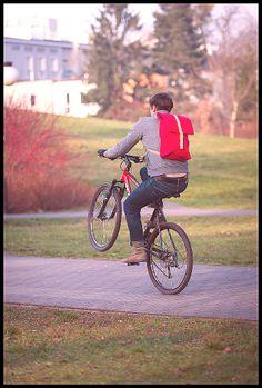 Cris x Tchakon   #bike #backpack #park