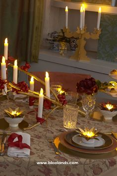 Ce Noël, offrez-vous un décor de table digne de votre imagination ! Bougie Led, Decoration Table, Boutique, Birthday Candles, Imagination, Lighting, Christmas Tabletop, Fantasy, Lights