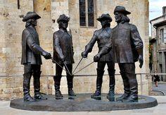 France, Condom (Gers) - three musketeers and D'Artagnan statue Bronze Sculpture, Sculpture Art, Tourist Places, Fantasy Landscape, Land Art, Public Art, Urban Art, Installation Art, Cool Pictures