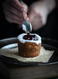 If you're a fan of cardamom, you will love Runeberg's Torte. This delicate cake is based on breadcrumbs & traditionally decorated with a raspberry kiss. Nordic Recipe, Finnish Recipes, Apple Jam, Torte Recipe, Sugar Frosting, Tall Cakes, Raw Cake, Vintage Cooking, Baking Tins
