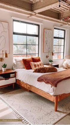 Room Design Bedroom, Room Ideas Bedroom, Home Decor Bedroom, Master Bedroom, Bed Room, Eclectic Bedroom Decor, Bright Bedroom Ideas, Eclectic Bedding, Tan Bedroom