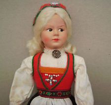 VINTAGE  NORWEGIAN DOLL  BY  RONNAUG PETTERSSEN  BOXED - Hardanger bunad