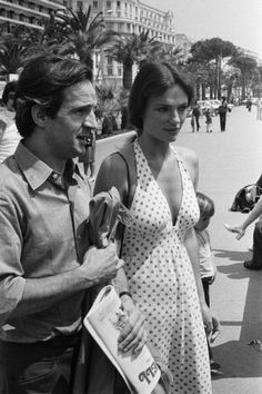 Francois Truffaut and Jacqueline Bisset at Film Festival in Cannes,France in May,1973. (Photo by Jean-Claude FRANCOLON/Gamma-Rapho via Getty Images)