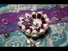 Ribbon flowers: uncomplicated kanzashi hairpin/Цветы из лент:незамысловатая заколка канзаши - YouTube