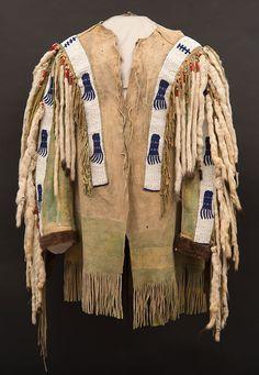 Chahiksichahiks (Pawnee) man's shirt, Central Plains, ca. 1870. Paul Dyck Plains Indian Buffalo Culture Collection. NA.202.1186