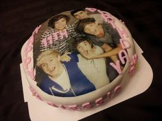 One Direction cake.