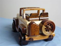 Wooden Toy Cars, Wood Toys, Cardboard Car, Christmas Wood Crafts, Wooden Crafts, Kids Toys, Woodworking, Jeep, Vehicles