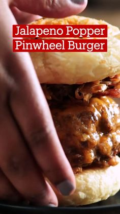 Fun Baking Recipes, Meat Recipes, Appetizer Recipes, Dessert Recipes, Cooking Recipes, How To Cook Burgers, Good Food, Yummy Food, Gourmet Burgers