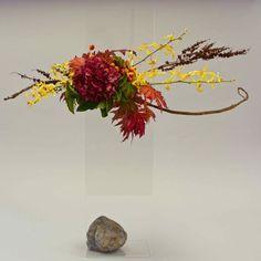 Victoria Floral Artists Guild November Show design by Linda Petch