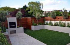 40 Incredible Modern Garden Landscaping Design Ideas On a Budget A modern or contemporary garden is characterized by a sleek, streamlined and sophisticated style. Modern garden designs draw on the simplicity of Asian des Back Garden Design, Backyard Garden Design, Garden Landscape Design, Patio Design, Landscape Designs, Back Garden Ideas, Diy Garden Ideas On A Budget, New Build Garden Ideas, Garden Design Ideas On A Budget