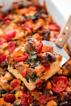 Prepare this overnight sweet potato & sausage breakfast casserole at night and wake up to a warm, delicious, and healthy breakfast the whole family will Overnight Crockpot Breakfast, Healthy Breakfast Casserole, Sausage Breakfast, Health Breakfast, Breakfast Recipes, Healthy Dessert Recipes, Yummy Snacks, Healthy Snacks, Sweet Potato Recipes