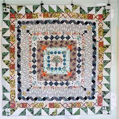 lotje meijknecht • (@lotjemeijknecht) • front side is a round robin quilt, in lawn and silk #lightweigh #trekkingquilt Quilt Labels, Robin, Lawn, Quilts, Silk, Blanket, Crochet, Quilt Sets, Ganchillo
