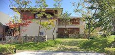 土曜日、琵琶湖湖畔の家の見学ツアーを終えました。 谷口社長のご好意で下田のモデルハウス、谷口工務店社屋の見学も実現、 天気にも恵まれ無事終了しました。...
