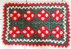 Tapetes de crochê são confortáveis e aconchegantes. Chegar em casa após um dia exaustivo, tirar os sapatos e pisar em algo confortável é uma benção. O tapete labirinto é feito em crochê é uma das novidades...