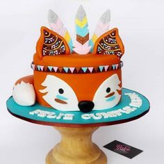 The cutest fox-themed cakes Wild One Birthday Party, First Birthday Cakes, Baby Birthday, First Birthday Parties, First Birthdays, Fox Cake, Fox Party, Woodland Cake, Animal Cakes