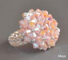 Maya gyöngyei: Madame Dupont Seed Bead Jewelry, Bead Jewellery, Diy Schmuck, Schmuck Design, Handmade Rings, Handmade Jewelry, Beaded Rings, Beaded Bracelets, Seed Bead Tutorials