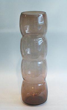 "NANNY STILL - Glass vase ""Carnevaali"" for Riihimäen Lasi Oy, in production 1961-62, Finland.   [h. 36 cm] Glass Design, Design Art, Finland, Modern Contemporary, Glass Art, Retro Vintage, How To Apply, Sculpture, Sculpting"