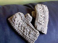 Woven Bobble Fingerless Gloves