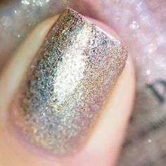 @ilnpbrand Clockwork  Shifts from gold to bronze and tops it with some serious holo.  #ilnp #ilnpbrand #ilnpfeature #ilnpfall2015 #ilnpfallcollection #ilnpclockwork by lakkomlakkom