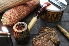 Smoking Wood, Pipe Smoking, Cigar Smoking, Pipes And Cigars, Tobacco Pipes, Smokers, Man Style, Real Man, Whiskey