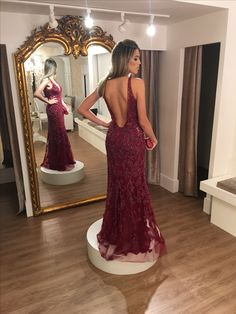 Vestido longo , vestido de festa, vestido marsala, vestido formanda, vestido bordado, vestido de pedraria, decote. As costas, decote no busto , evening dress, Thays Temponi, red carpet , My Closett
