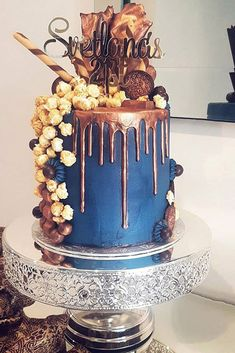 Navy and Copper Birthday Cake - Cake Decorating Square Ideen 60th Birthday Cake For Men, Birthday Drip Cake, 15th Birthday Cakes, 40th Cake, 21st Birthday, Buttercream Cake Designs, Buttercream Birthday Cake, Metallic Wedding Cakes, Chocolate Drip Cake
